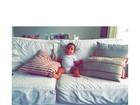 Carolina Ferraz posta foto da filha Isabel