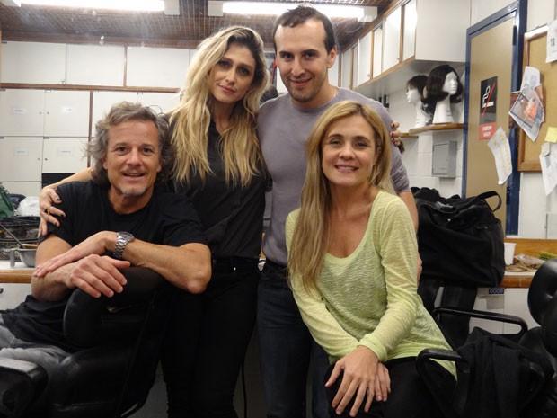 Marcello Novaes e a diretora Amora Mautner conferiram o novo visual da atriz (Foto: Avenida Brasil/TV Globo)