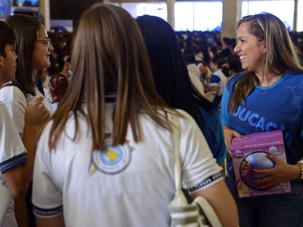 Professores do aulão interagem com alunos em Arcoverde (Foto: Diego Moraes / G1)