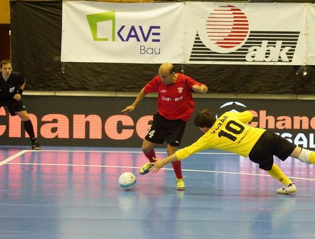Cacau marcou dois gols na final da Copa da República Tcheca (Foto: Arquivo Pessoal/Cedida)