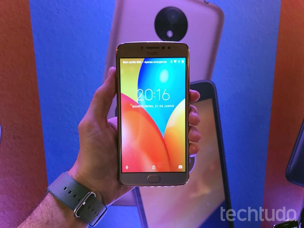 3620e0bd3 Moto E4 Plus tem apenas 16 GB de armazenamento interno (Foto  Thássius  Veloso