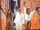 Claudia Leitte divide o palco com J. Lo  e Pitbull em Las Vegas