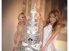 Thalia encomenda bolo ostentação de seis andares para festa de Réveillon