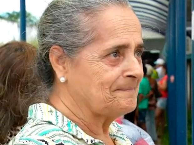 Aposentada Eunice Maia aguarda medicamento para asma na Unicat, em Natal (Foto: Reprodução/Inter TV Cabugi)