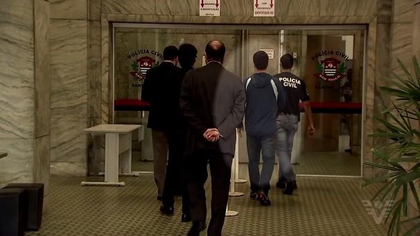 Advogados são presos em Santos (Foto: Reprodução/TV Tribuna)