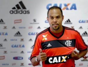 CHAMADA Alecsandro apresentado Flamengo (Foto: Fernando Soutello / Agência Estado)