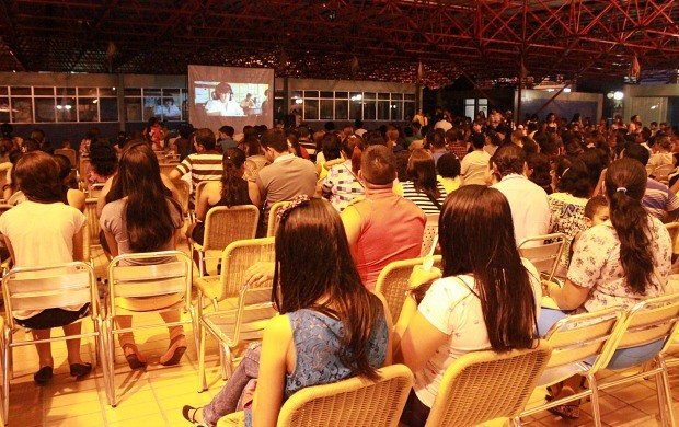 Em Manaus, 'Pipoca em Cena' estreia com exibição do musical 'Hairspray'; veja como foi (Foto: Katiúscia Monteiro/ Rede Amazônica)