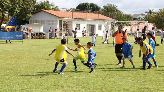 Alunos da Escolinha Nilton Santos estão na disputa (Foto: Washington Luiz/Ascom SEELJ)