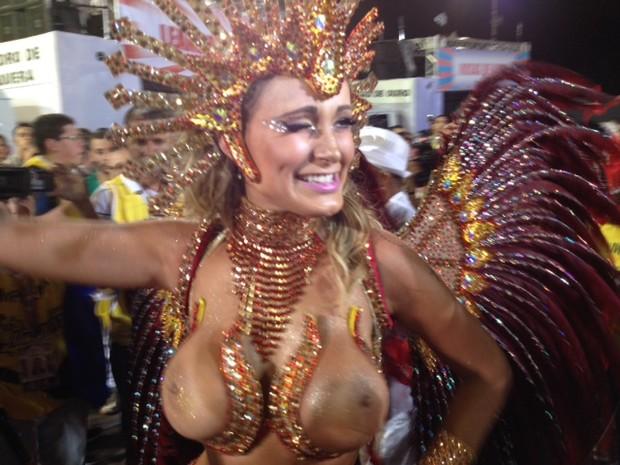 Andressa Urach é a diva de bateria da Leandro de Itaquera. (Foto: Letícia Macedo/G1)