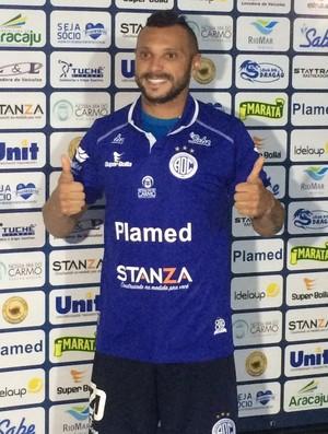 Mateus Paraná, atacante do Confiança (Foto: Guilherme Fraga)