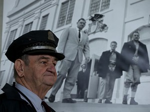 O ex-guarda Jim Albright visita a prisão de Alcatraz, em San Francisco (Foto: Justin Sullivan/Getty Images/AFP)