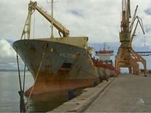 Corpo de homem foi encontrado em navio (Foto: Reprodução/TV Bahia)