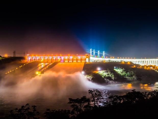 Itaipu está escoando duas Cataratas do Iguaçu por segundo, segundo a hisdrelétrica (Foto: Alexandre Marchetti/Itaipu Binacional.)
