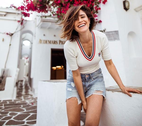 Fernanda Vasconcellos durante viagem a Mykonos, na Grécia (Foto: João Viegas)