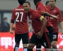 Jadson dá assistências, Luis Fabiano faz hat-trick, e time de Luxa vence