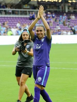 Marta agradece apoio da torcida após empate do Orlando