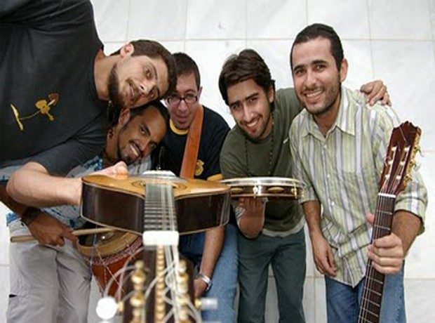 """Banda """"Passo Largo"""" se apresenta com estudantes em Poços de Caldas. (Foto: Divulgação)"""