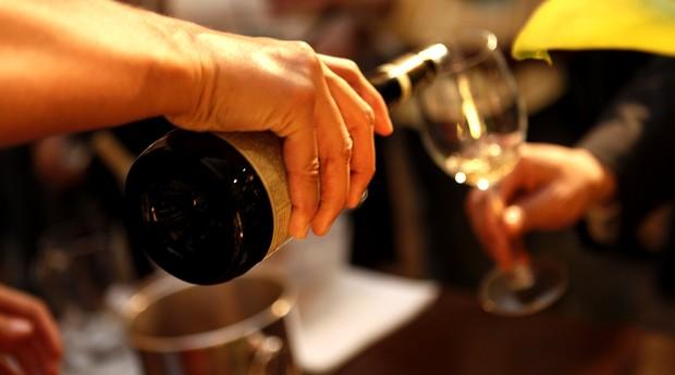 Serviço de vinho na primeira edição do Winelounge, que volta ao Museu da Casa Brasileira no dia 2 de setembro  (Foto: Divulgação)