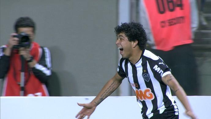 Luan comemora gol diante do Palmeiras (Foto: Reprodução \Sportv)