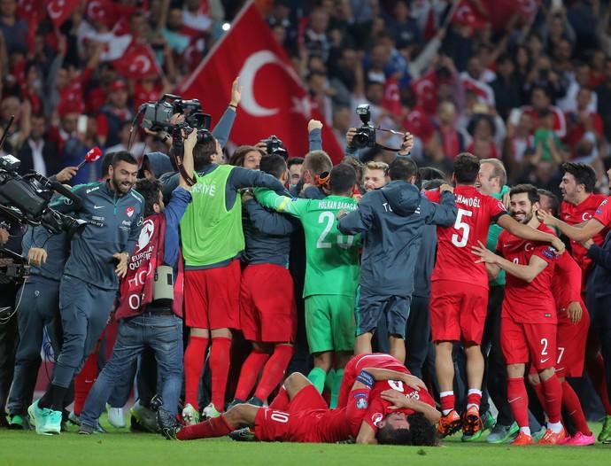 Turquia classifica para a Eurocopa (Foto: AP)
