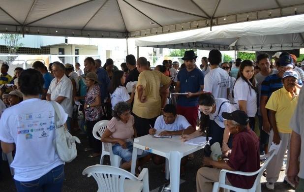Evento ocorre em frente à sede da Rede Amazônica (Foto: Bruna Cássia/Rede Amazônica)