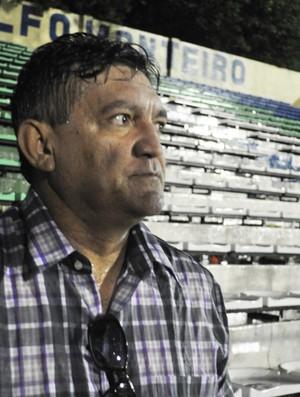 Aníbal Lemos, técnico de futebol (Foto: Renan Morais/GLOBOESPORTE.COM)