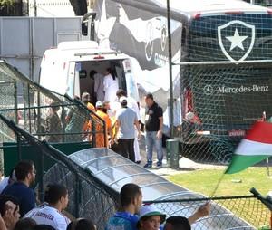 fluminense ramon ambulancia sub-20 (Foto: Edgard Maciel de Sá)