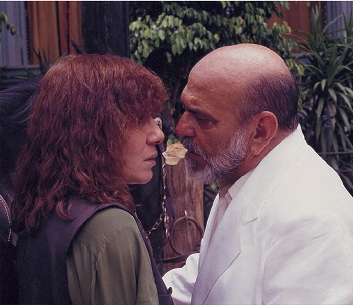 Renata e Lima em cena de 'Pedra sobre Pedra' (Foto: Cedoc / TV Globo)
