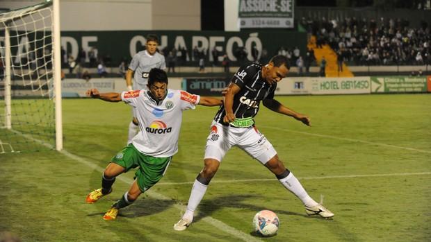 Thiego Fabinho Gaúcho Figueirense Chapecoense (Foto: Sirli Freitas / Agência RBS)