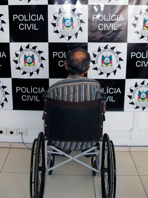 Pastor foi preso em uma cadeira de rodas (Foto: Divulgação/Polícia Civil)