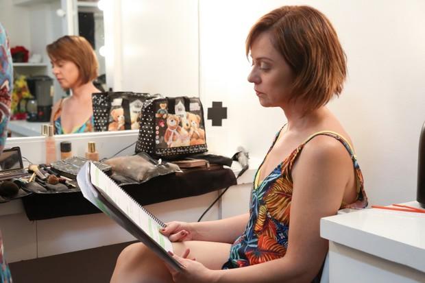 Guta Stresser no camarim da peça Ela é Meu Marido (Foto: Brazil News/Roberto Filho)