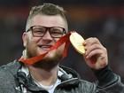 Polonês exagera na bebida e paga táxi com medalha de ouro