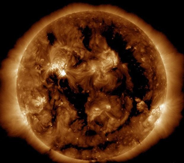 Imagem do Sol feita pelo Observatório de Dinâmica Solar (SDO, na sigla em inglês) da Nasa (Foto: AFP/SDO/AIA)