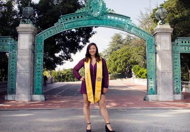 Jasmine Pak após se formar em Berkeley: em busca do emprego dos sonhos (Foto: Reprodução/Facebook)