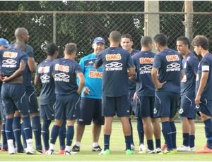 Cruzeiro se reapresenta após derrota para a Ponte Preta (Foto: Tarcísio Badaró / Globoesporte.com)
