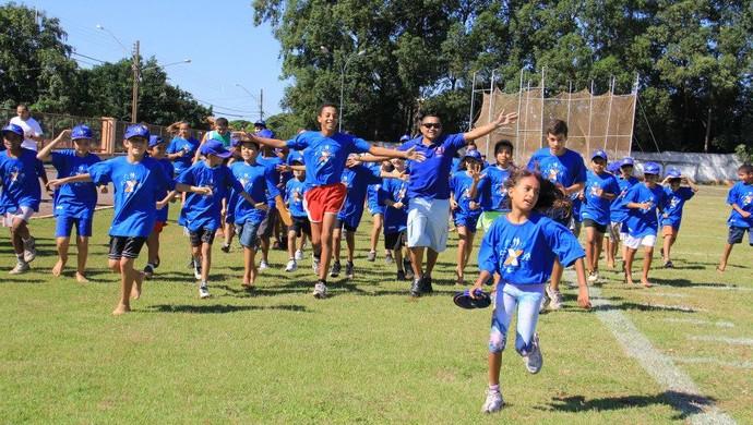 Vicente Lenilson é padrinho da maratoninha em Campo Grande (Foto: Divulgação/FAMS)