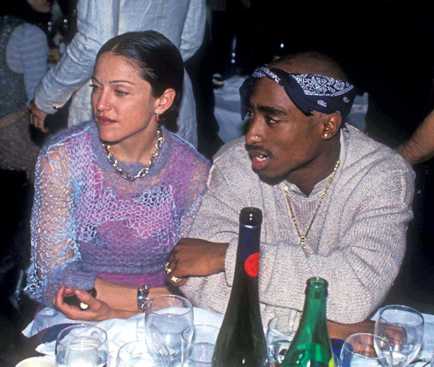 Madonna tenta impedir venda de carta de amor de Tupac