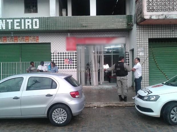 Suspeitos não conseguiram levar dinheiro dos caixas (Foto: Tenente Tavares/PMPB)