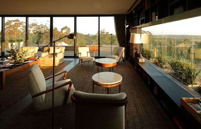 O lounge da Locanda é perfeito para relaxar e colocar a leitura em dia com uma deliciosa vista (Foto: Divulgação)