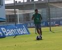 Grêmio vibra com evolução de Edílson, mas adota cautela por retorno