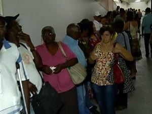 Cadastro Idosos Ônibus Uberlândia passe livre (Foto: Reprodução/TV Integração)