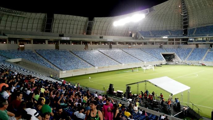 Convidados ficaram nos assentos do setor Leste durante evento-teste na Arena das Dunas (Foto: Jocaff Souza)