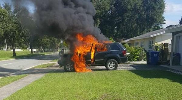 Jeep em chamas nos Estados Unidos. Dono de Galaxy Note 7 afirmou que o incêndio começou por causa do aparelho (Foto: reprodução)