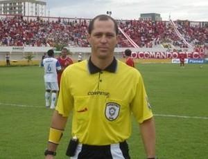 Árbitro Rogélio Lima da Rocha (Foto: Reprodução/Blog Givaldo Batista)