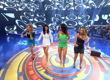 Lexa, Bella Falconi e Maíra Charken dançam 'É o Tchan' com Scheila Carvalho no 'Caldeirão'