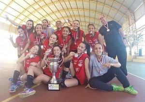 Equipe prudentina de handebol feminino é prata nos Jogos Abertos da Juventude (Foto: Semepp / Divulgação)