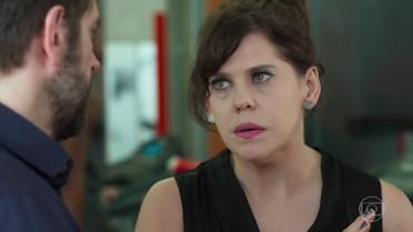 Stella se irrita ao ouvir Joana falar sobre Léo