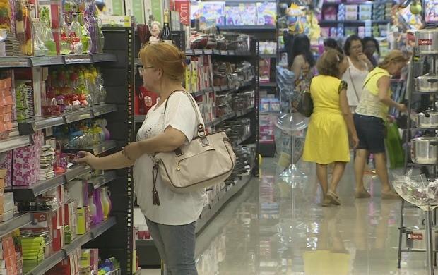 Promoções podem tirar o comércio amapaense do 'vermelho' (Foto: Amapá TV)