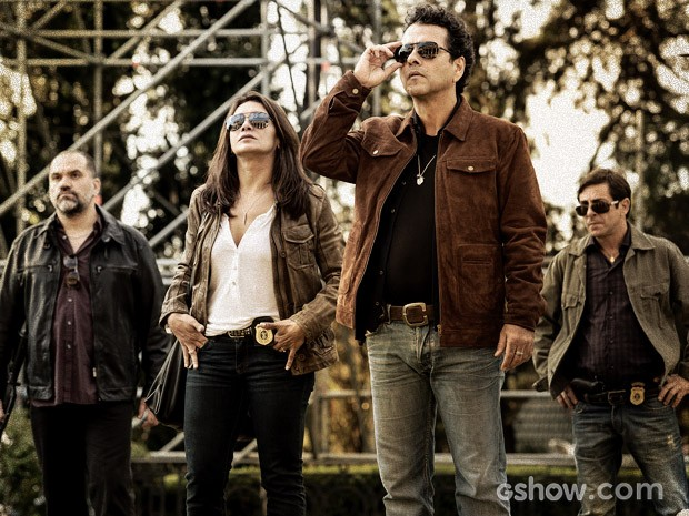 Pedroso, Rosa, Canetti e Alfredo chegam à mansão (Foto: Fábio Rocha / TV Globo)