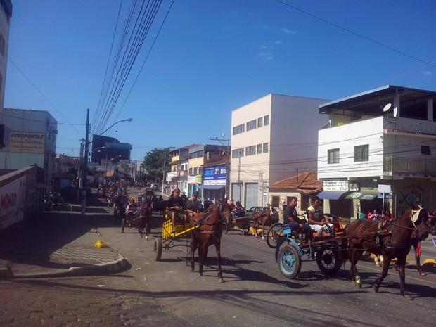 Desfile, cavalgada, cavaleiros, Pouso Alegre (Foto: Daniela Ayres/ G1)
